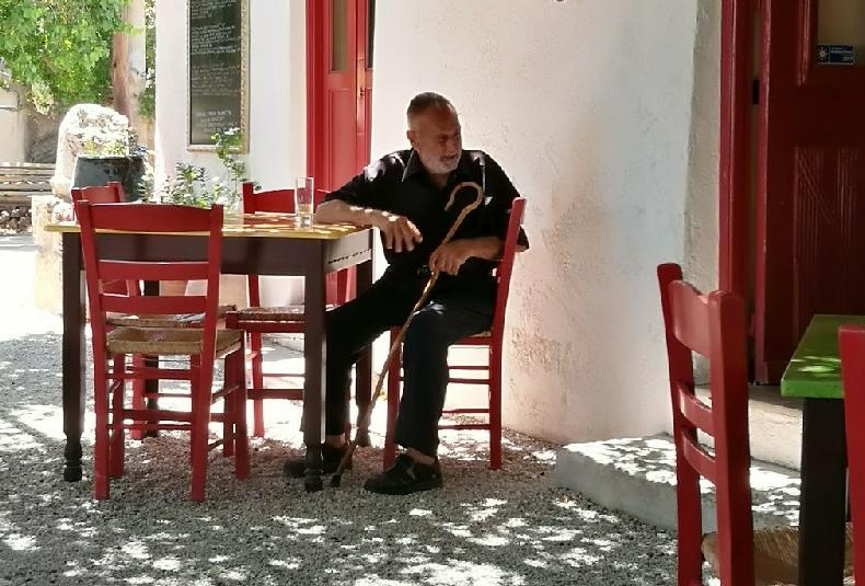 Old man resting in Anidri Taverna 2018 Photo: Otto Leholt